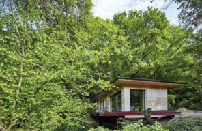 The idea to found IDBC, an IT and consultancy company, comes up in a small cottage in the woods